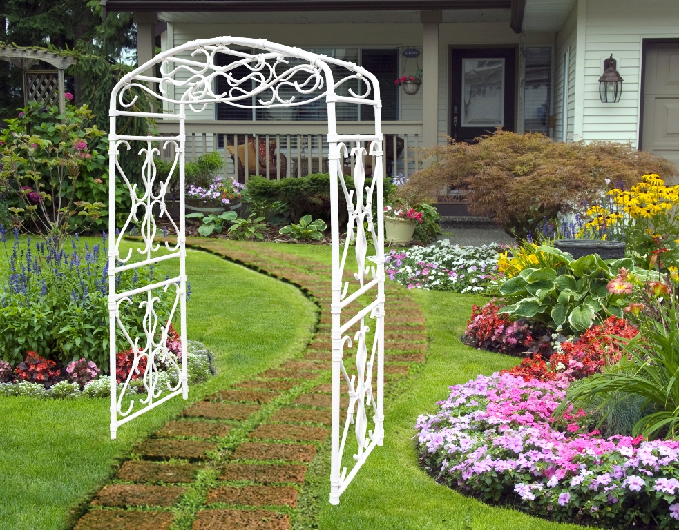 Фото садовых арок или как сделать украшение для сада 46